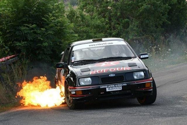 Sierra Cosworth flames 2.jpg