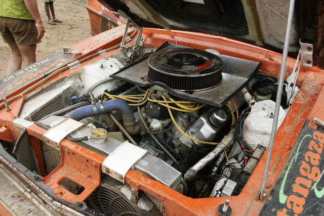 rally-mustang-engine.JPG