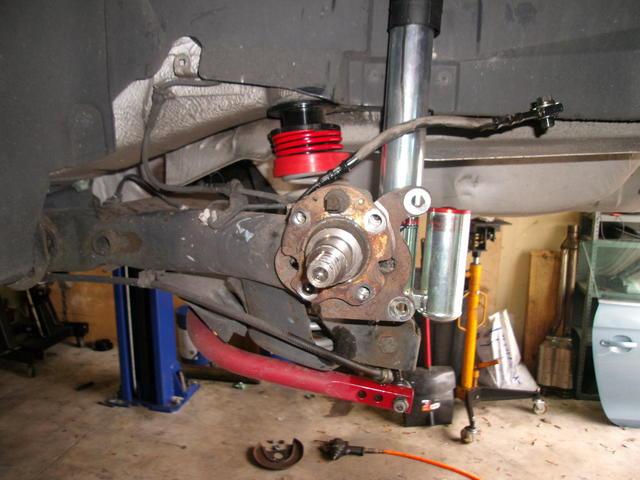 Brakes - DS Stub axle.JPG